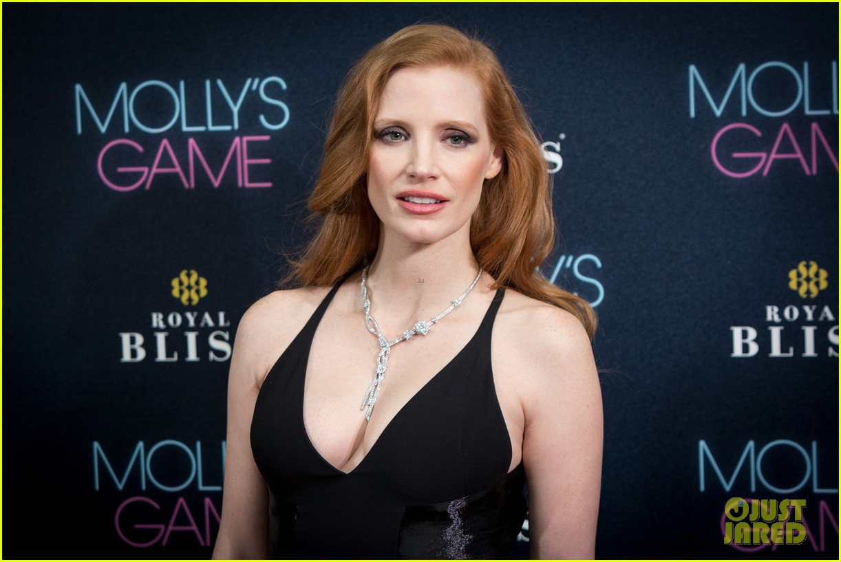 jessica-chastain-stuns-at-mollys-game-madrid-premiere-04