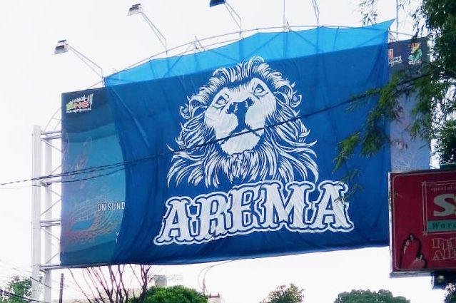Panji kebesaran Aremania